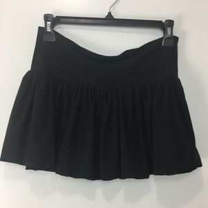 Be Creative Pleated Dancer Skirt Size Small